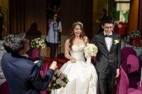 para młoda podczas ślubu